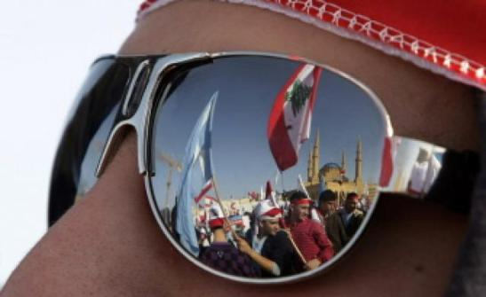 Protesters near the Lebanese parliament-Photo source: www.alarabiya.net